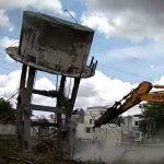 રાજકોટ શહેરના વાવડી વિસ્તારમાં આવેલ આશરે ૪૦ વર્ષ જુનો પાણીનો ટાંકો મહાનગરપાલિકા દ્વારા પાડવામાં આવ્યો
