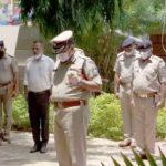 રાજકોટ શહેરના પોલીસ અધિકારીઓએ શહીદ કોરોના યૌઘ્ધાને આપી શ્રઘ્ધાંજલી