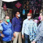 રાજકોટ શહેરની ગુંદાવાડીમાં મેઈન બજારમાં માસ્કના દંડને લઈ વેપારીઓ માં હોબાળો મચી ગયો