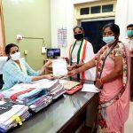 ગીર સોમનાથ જિલ્લા મહિલા કોંગ્રેસ સમિતિ ના હોદ્દેદાર બહેનો એ નાયબ કલેકટર ની કચેરી એ આવેદનપત્ર આપ્યું