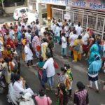 રાજકોટ શહેર પગાર સહિતના પ્રશ્નો અંગે, કોન્ટ્રાકટ બેઇઝ હેલ્થ વર્કરોએ હડતાલ પાડી મહાનગરપાલિકામાં ધરણા કર્યા