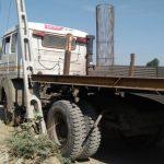 દિયોદર રેલવે ફાટક પાસે ચાલુ વીજ થાંભલા ને ટ્રક ની ટક્કર લાગતા ધારસાઈ વીજ લાઇન ના કર્મચારીઓ દોડી આવ્યા, જાનહાની ટળી